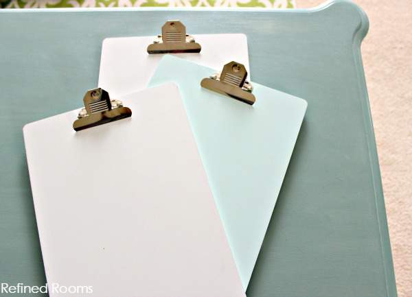 organize with clipboards - DIY Project using clipboards and Command Hooks @ refinedroomsllc.com