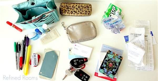 organizing your purse during the holiday break @ Refinedroomsllc.com