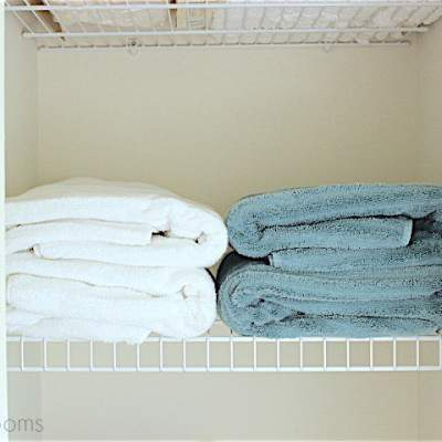 LINEN CLOSET ORGANIZATION: TIPS & ORGANIZATION