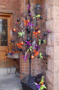 This Halloween tree just one of 20 DIY Halloween Decor Ideas guaranteed to inspire you