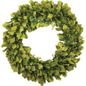 On the hunt for a new spring wreath? Check out this round up of 15 stunning options, including this spring green wreath