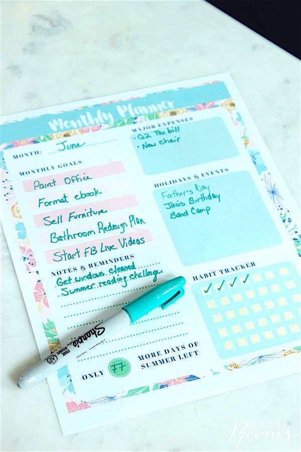 Struggle with staying productive during the summer months? Download these free summer-themed printable monthly planners to help you stay on track!