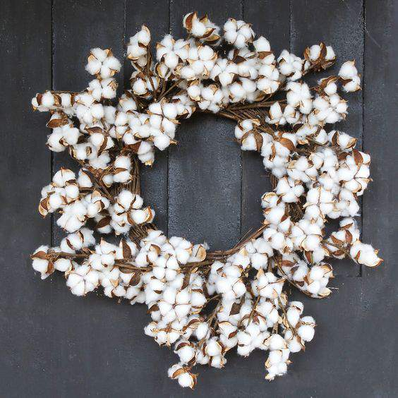 Check out this gorgeous collection of unique fall wreaths...including this cotton wreath