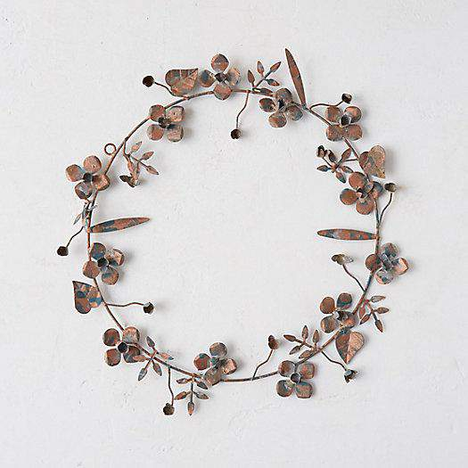 Check out this gorgeous collection of unique fall wreaths...including this simple metallic wreath