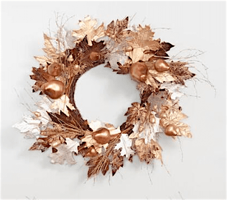 Check out this gorgeous collection of unique fall wreaths...including this metallic acorn wreath
