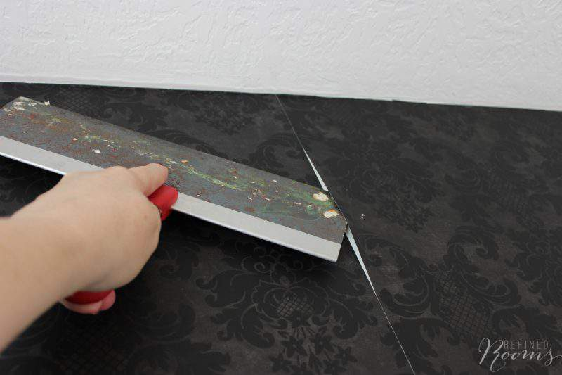 Learn how to remove wallpaper the easy way (without chemicals!)