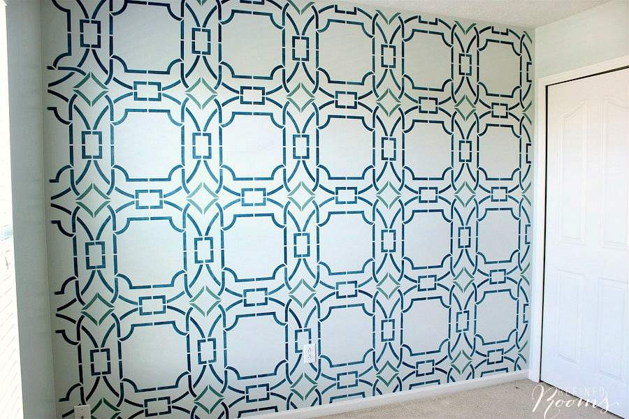 Learn how to stencil a wall like a BOSS with these stenciling tips and tricks | #DIY #Stenciling #wallstencil #focalwall