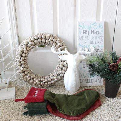 MY NEW (& IMPROVED!) METHOD FOR ORGANIZING HOLIDAY DECORATIONS